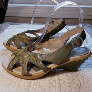 PIKOLINOS green buckle wedge sandals